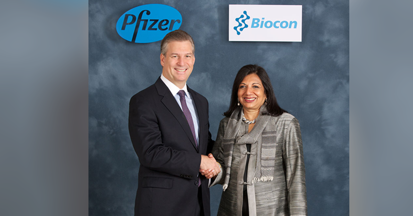 Kiran Mazumdar-Shaw and Pfizer's David Simmons at the signing of a global collaboration agreement